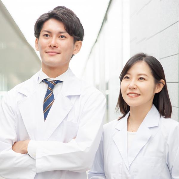 男性・女性医師による2人の診療体制